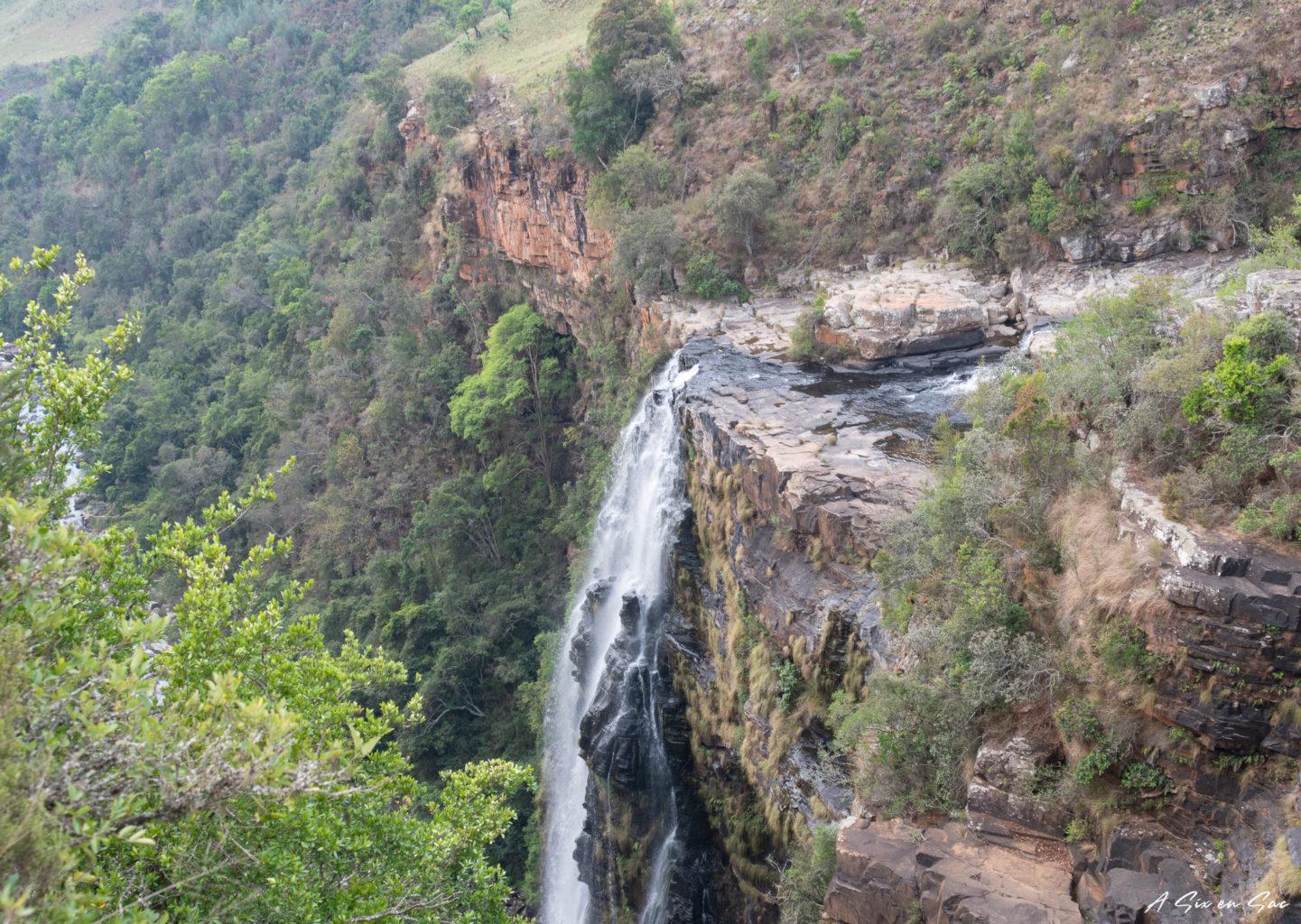 Haut de la chute de Lisbon Falls dans la province du Mpumalanga aux portes du parc Kruger ( et son emblématique Blyde River Canyon )