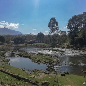 vue de la rivière depuis le village de Tadlo
