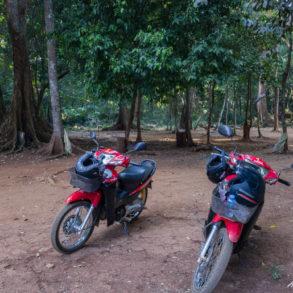 """les scooters garés au milieu de la """"green zone"""""""