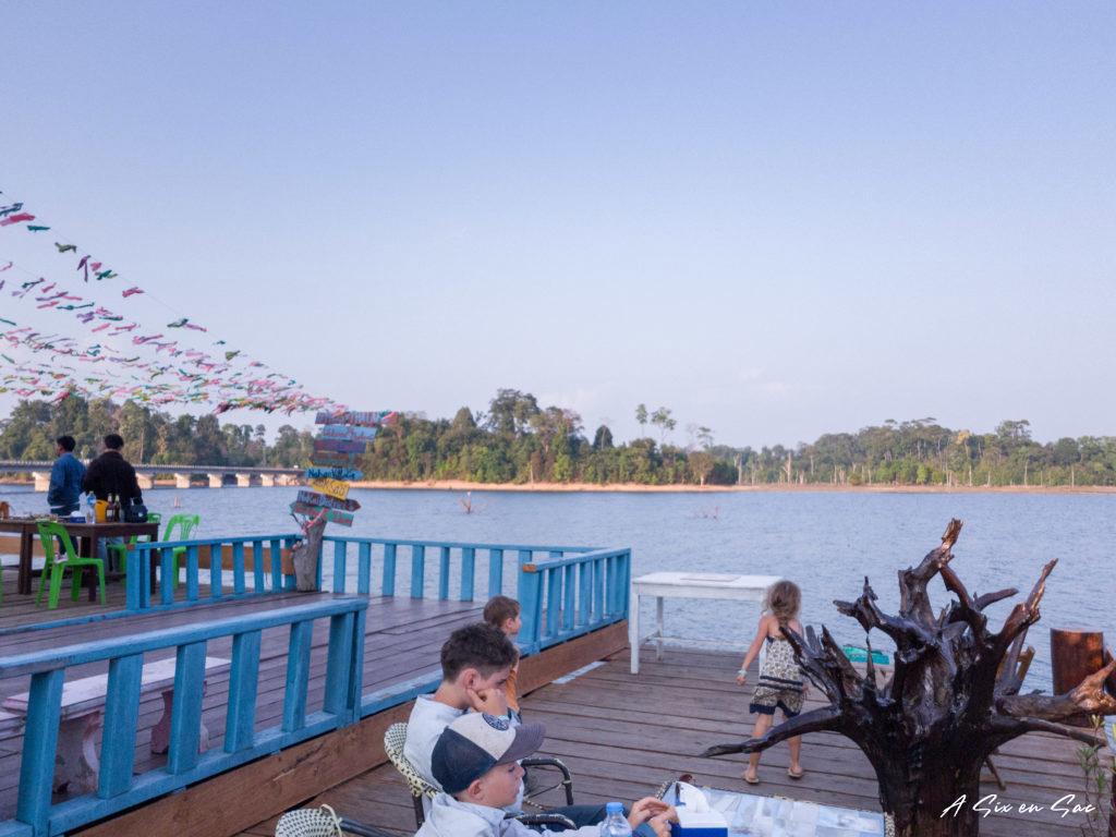 Depuis la terrasse du Phosy Guesthouse à Thalang-Laos