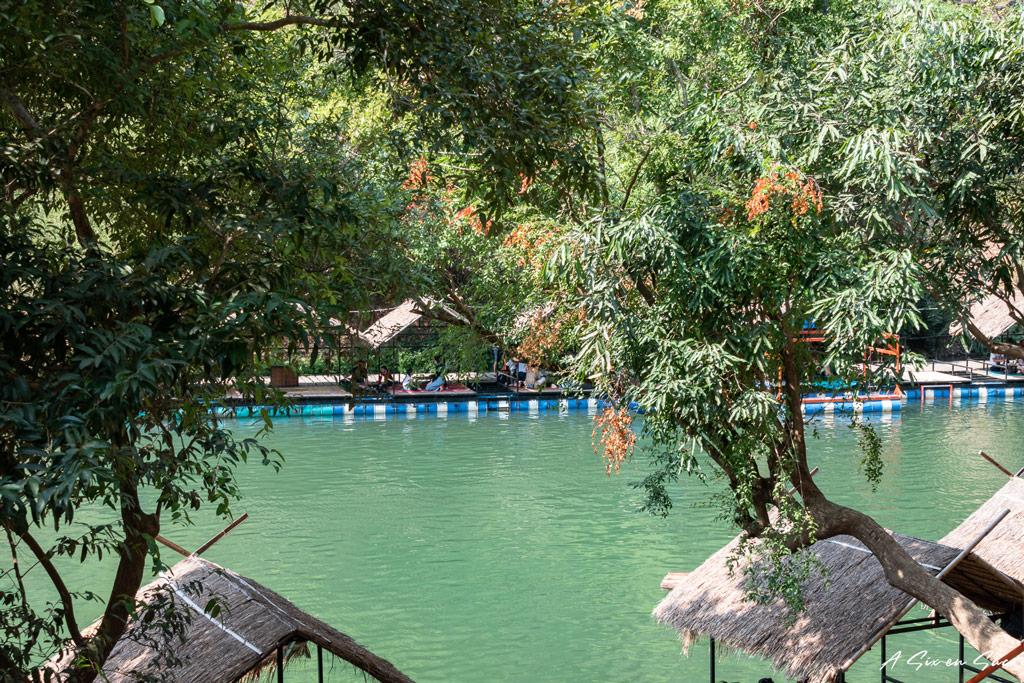 zone de baignade à Tha Falang sur la boucle de Thakhek au Laos