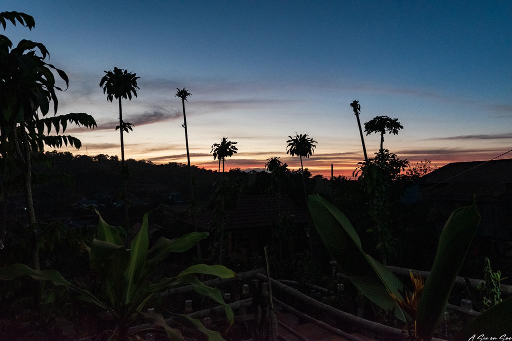 coucher de soleil depuis la terrasse de la Family Guesthouse de Mr Puthea