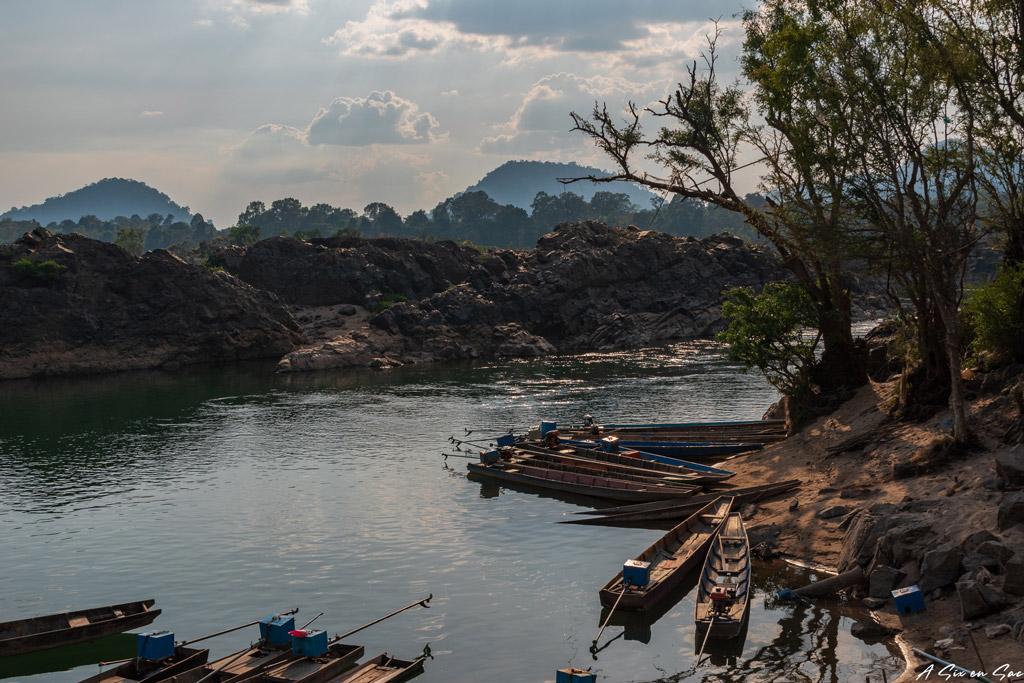 plage et port de départ pour aller voir les dauphins - Laos Si Phan Don
