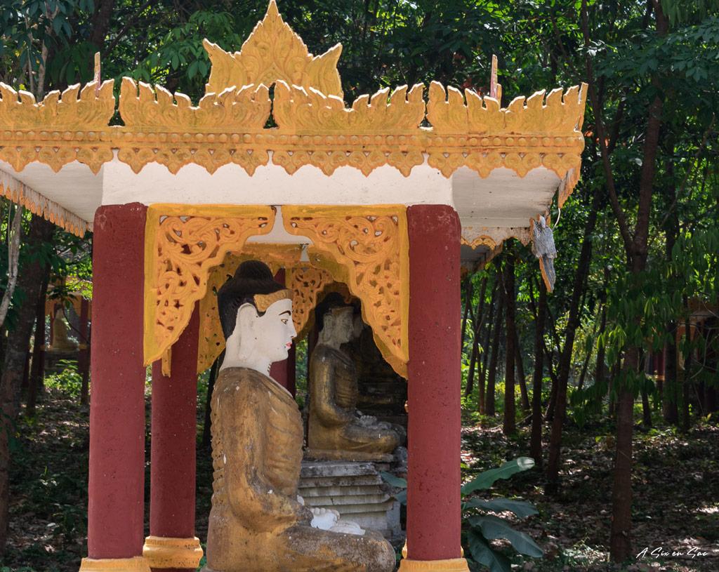 Bouddhas du parc Lumbini-Hpa An Myanmar