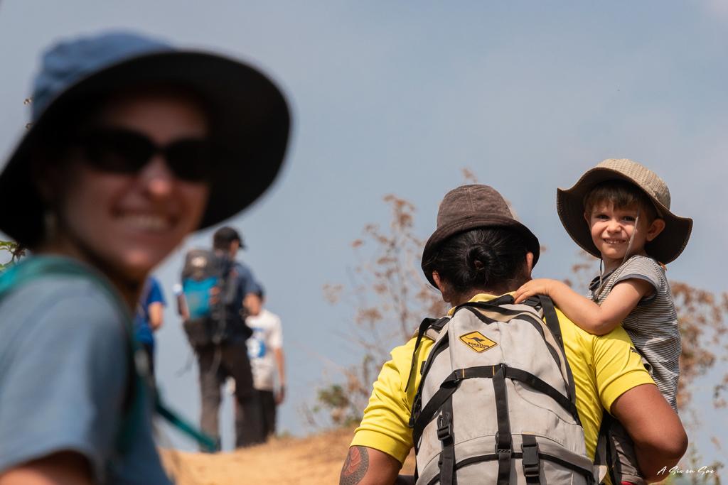 le groupe sur les sentiers de notre 1er jour de trek à Hsipaw Myanmar