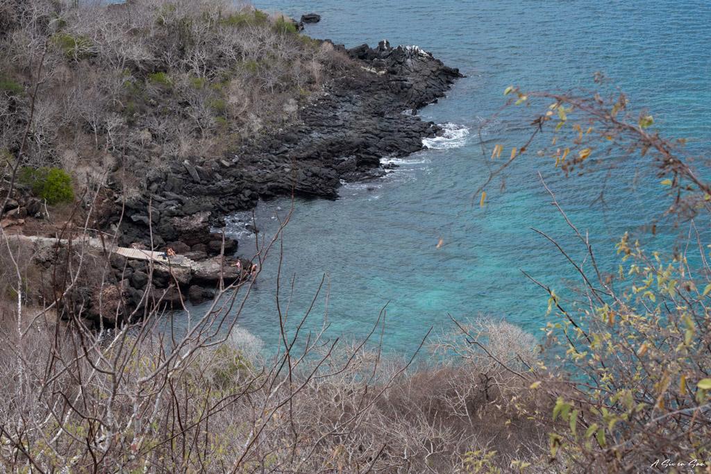 vue sur la baie et le ponton des Tijeretas depuis le point de vue Galapagos San cristobal Equateur novembre 2020