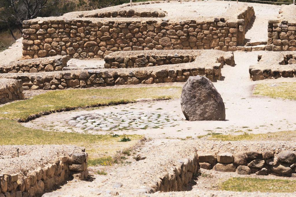 Stèle sépulture de la zone Cañari d' Ingapirca à 80km de Cuenca Equateur