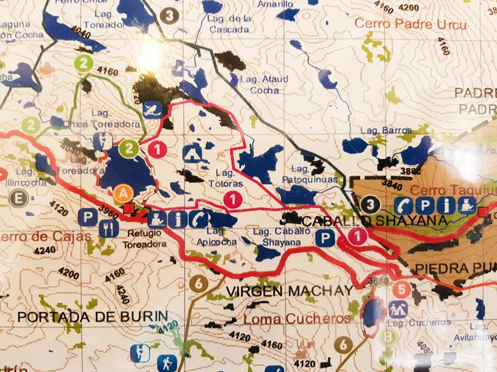 carte des différentes randonnées du parc national de Cajas ( site autour de Cuenca en Equateur ) ( comme Ingapirca )