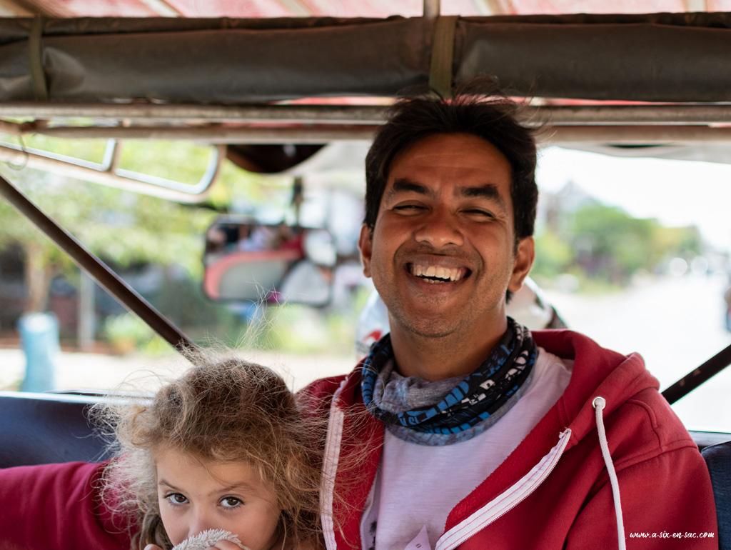 Alice et Sam-guide à Battambang-Cambodge