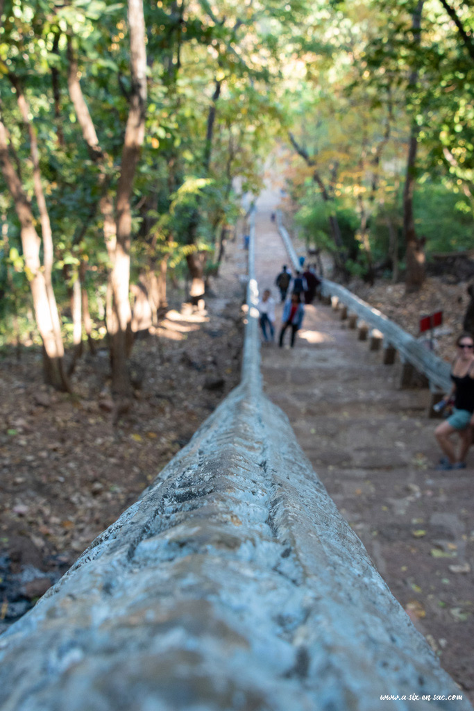 escalier du Phnom Banan-Battambang-Cambodge