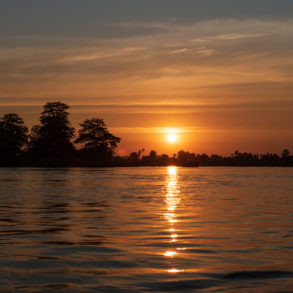 Coucher de soleil en arrivant sur Don Khon - bilan pratique de nos 29 jours au Laos