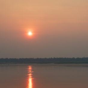 coucher de soleil sur le Mékong Cambodge Kratie dauphins d'Irrawaddy
